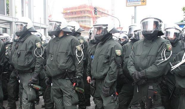 Raid de amploare în Dusseldorf. 40 de imigranţi au fost arestaţi