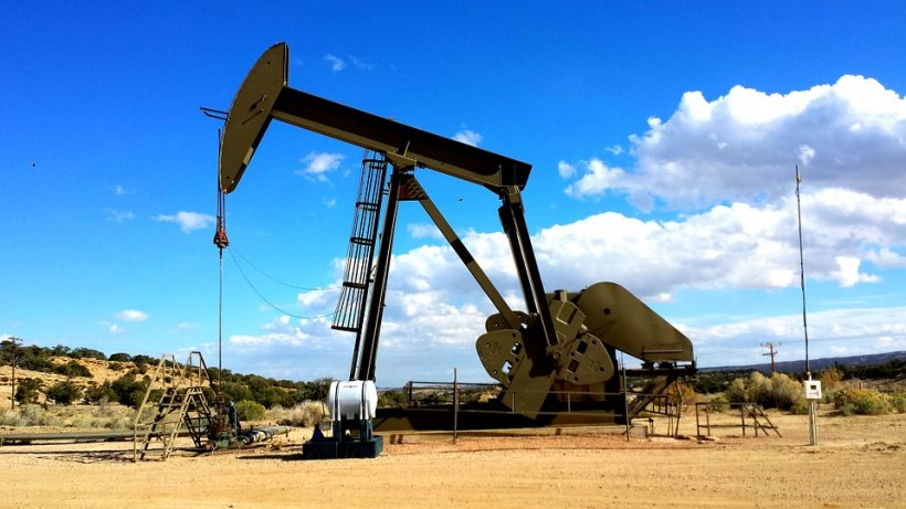 Prețul petrolului, la cel mai scăzut nivel în ultimii 13 ani