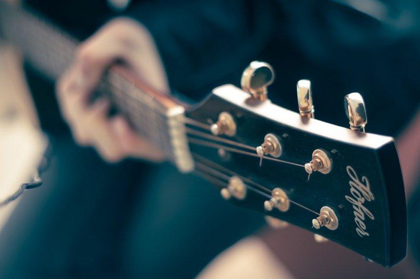 Ideea nebunească! Un american vrea să organizeze un concert de muzică folk într-un oraş ocupat de Statul Islamic