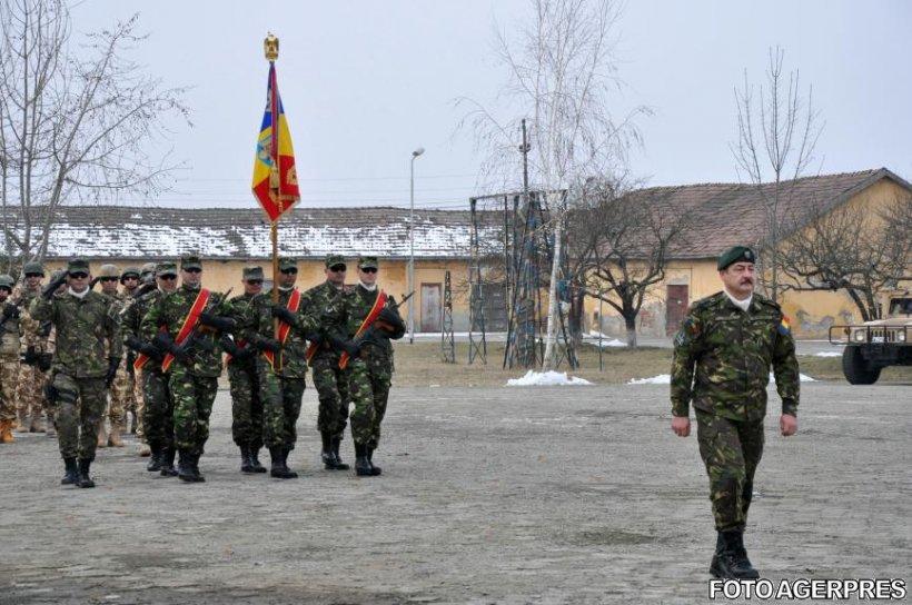 Doi militari răniţi anul trecut în Afganistan, decoraţi de preşedintele Iohannis