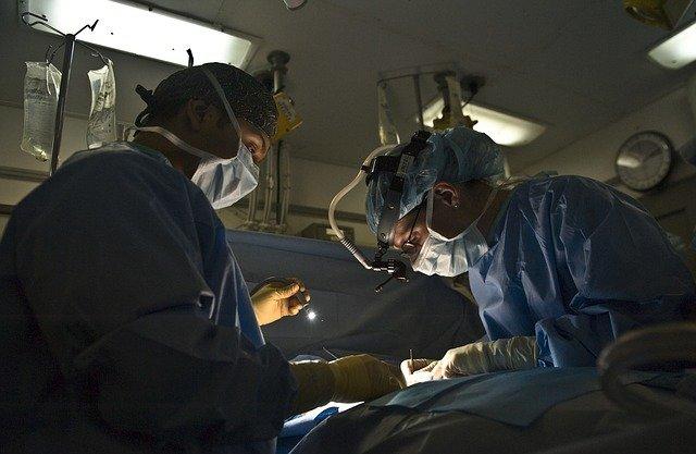 Transplant cap/corp reușit de specialiștii chinezi - VIDEO