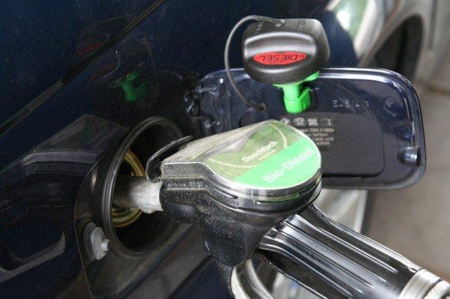 Mit spulberat. Care e prețul fără taxe al carburanților în România în comparație cu al altor țări din Europa