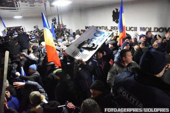 Presa străină: Republica Moldova se scufundă într-o criză politică ce pare fără ieșire