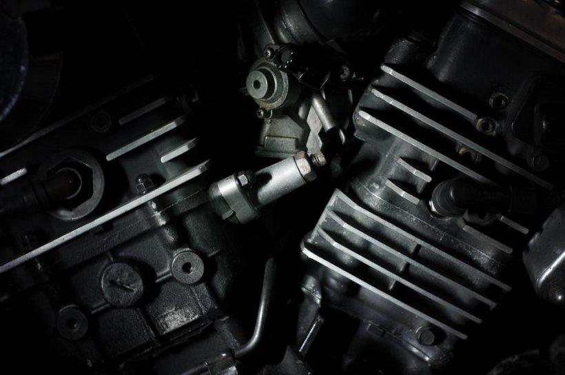 Un român a inventat mașina care merge cu apă, oțet, cola sau urină. Cei de la RAR au avut o mare surpriză