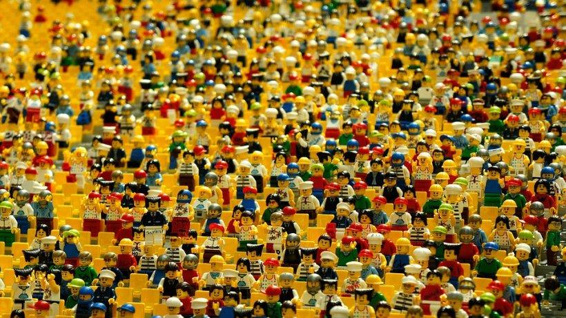 Lego te angajează să te joci toată ziua