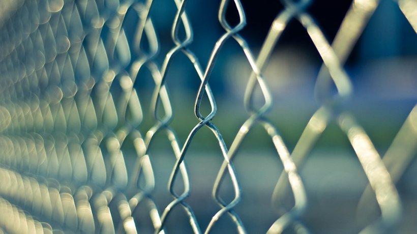 Ungaria cere mai multe garduri la frontiere: Trebuie să ne securizăm graniţele