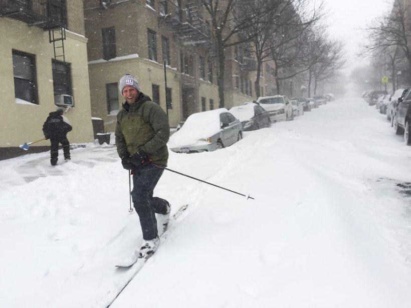 Imagini incredibile după furtuna de zăpadă care a lovit Statele Unite
