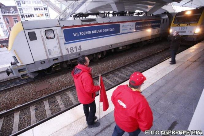 Incendiu în tren. Sute de călători, blocați timp de 8 ore