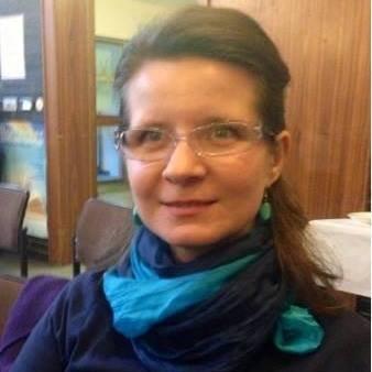 O jurnalistă a fost găsită moartă în locuința sa