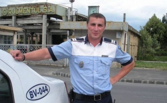 Polițistul umorist revine. Ce asemănări a găsit Marian Godină între prezervativ și centură