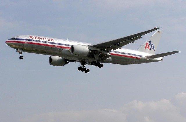 Şapte persoane, spitalizate după ce un avion American Airlines a trecut printr-o zonă cu turbulenţe