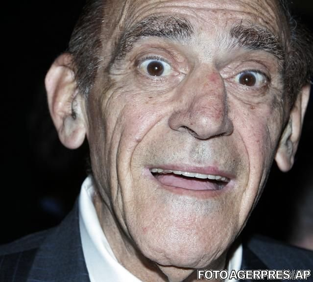 """Doliu la Hollywood! A murit Abe Vigoda, actorul pe care l-ai văzut jucând în """"Naşul"""""""