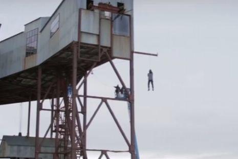 Un om de știință și-a riscat viața pentru un experiment - VIDEO