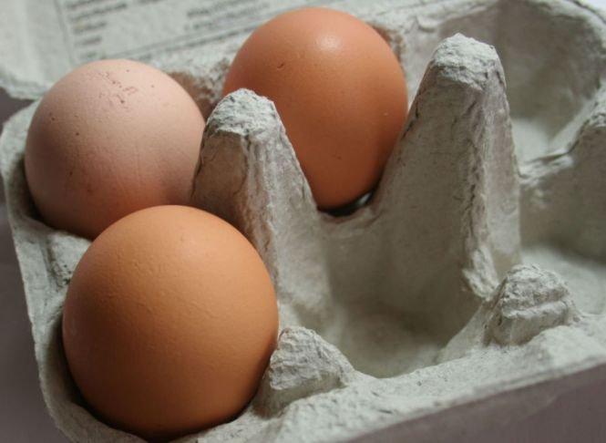 Tu știai asta? Ce înseamnă numărul de lângă data de expirare de pe ouă