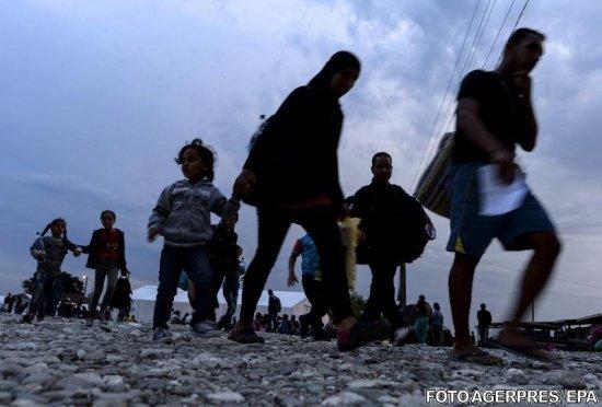 Tot mai mulți migranți la granița dintre Macedonia și Serbia, ca urmare a condițiilor meteo favorabile
