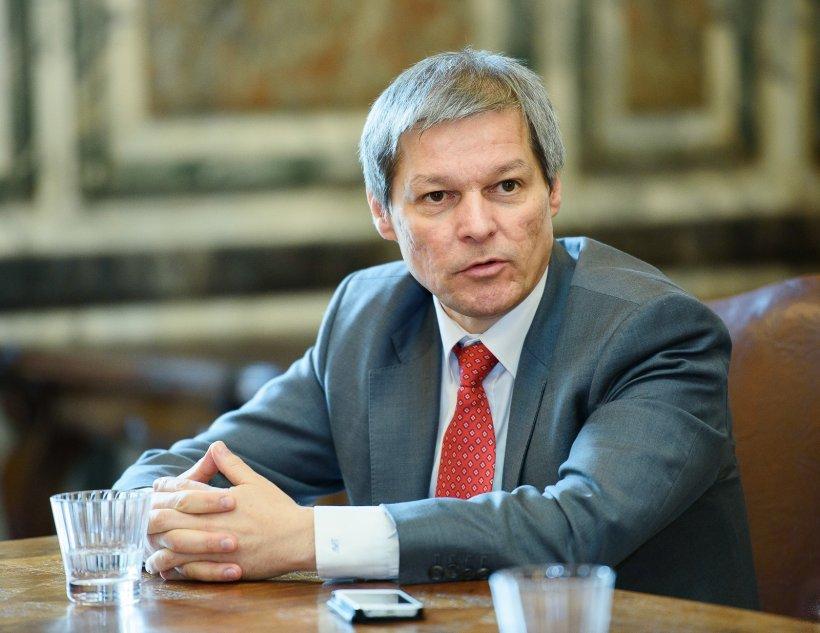 Guvernul Cioloș schimbă șefii Doi și-un sfert