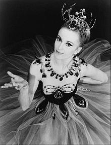 O mare balerină a murit 16