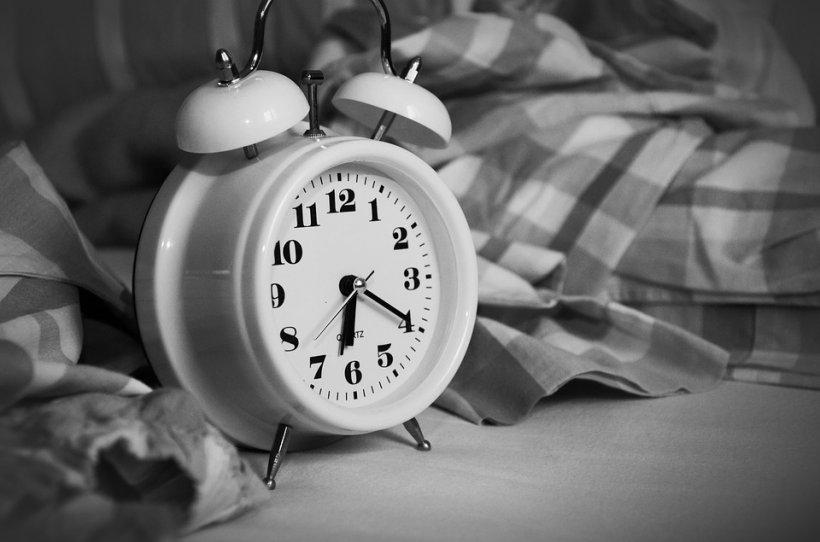 Studiu: Riscul de infarct crește cu 146% dacă dormi prea mult! Vezi care este marja de siguranță