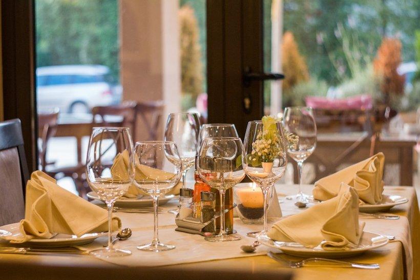 Patronul unui restaurant din Franța a interzis accesul bancherilor în localul său