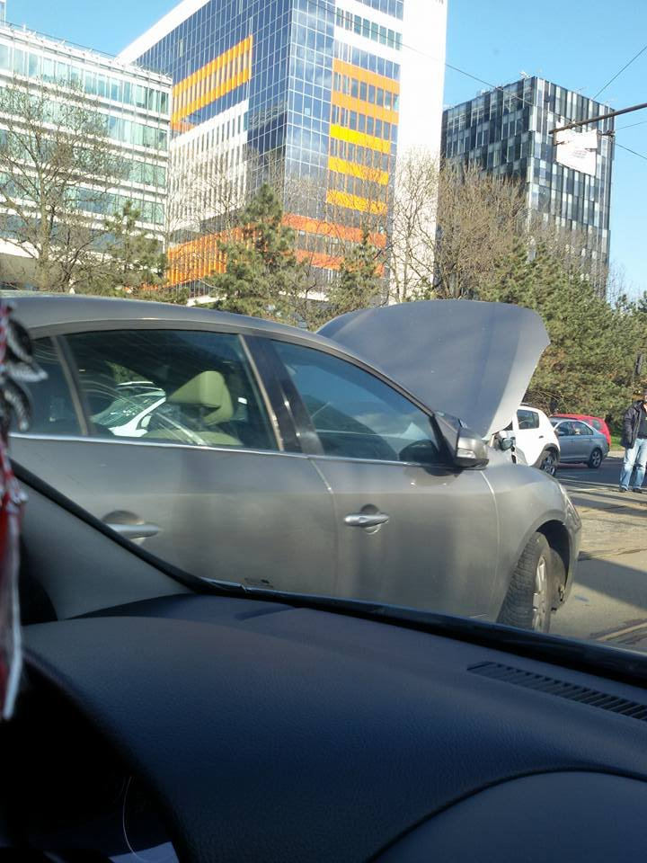 Accident rutier în zona Aviației din Capitală. Circulația tramvaielor a fost blocată
