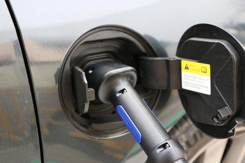 Doar mașini electrice vor mai fi comercializate în Olanda, începând cu 2025
