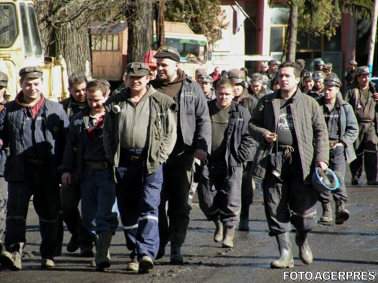 Marșul minerilor spre București. Mulți protestatari se simt din ce în ce mai rău după cele trei zile de mers de jos 534