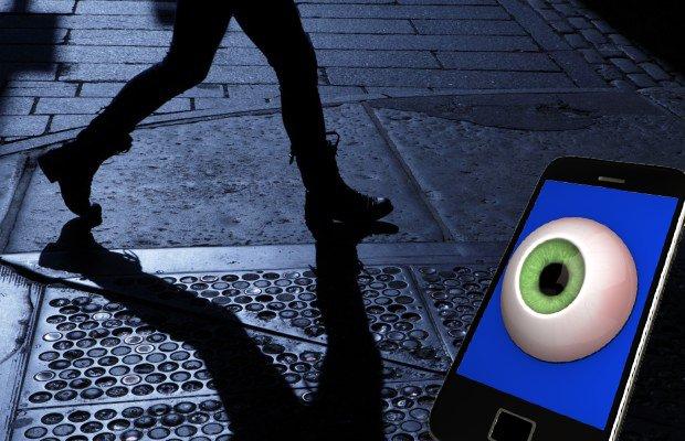 Metoda inedită pentru a te apăra de agresori cu ajutorul telefonului mobil. Trebuie să ai și tu asta pe telefon