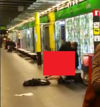 Se întâmpla ziua în amiaza mare la metrou! Doi tineri făceau sex fără pic de rușine de față cu toată lumea - Cum au fost surprinși