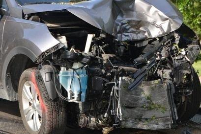 Accident cumplit. Un șofer a murit după ce a intrat într-un TIR