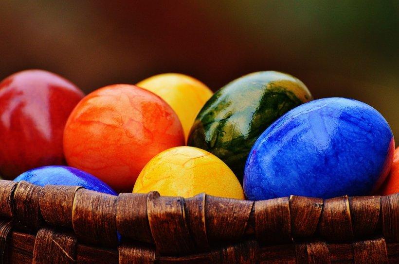 IDEI PENTRU MASA DE PAȘTI. Vezi ce cumpără românii pentru masa de Înviere