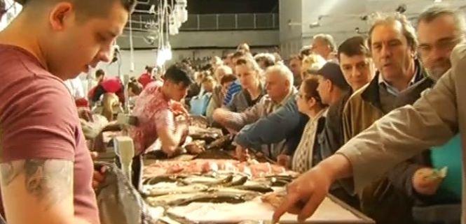 Magazine de carne din Hala Obor, închise de inspectorii ANSVSA. Au fost confiscate tone de produse alimentare
