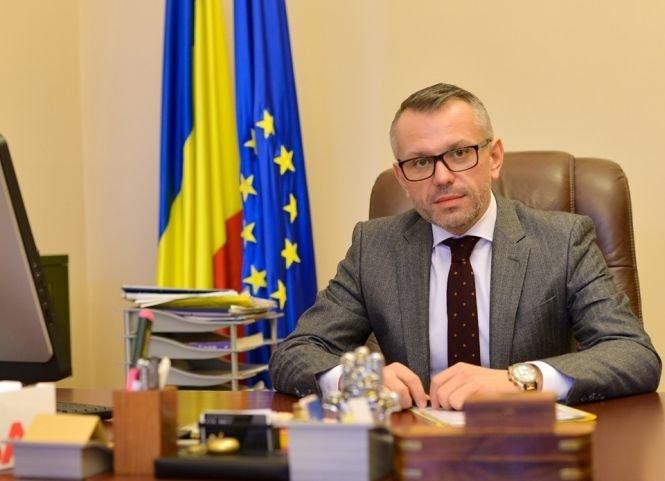 Ce riscă primarul din Sighetu Marmației, care și-a fotografiat buletinul de vot și l-a postat pe Facebook