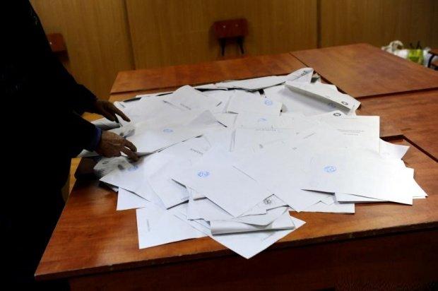 Suspiciuni de fraudă în Năvodari: Au fost găsite mai multe buletine de vot decât ar fi trebuit