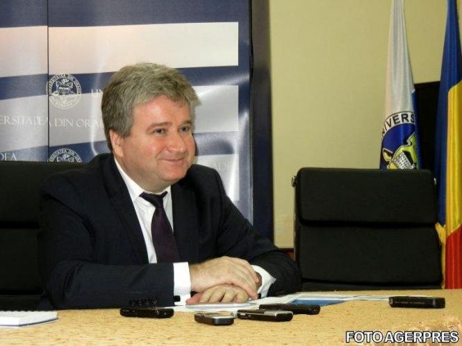 Rectorul Universității Oradea, Constantin Bungău, în arest la domiciliu