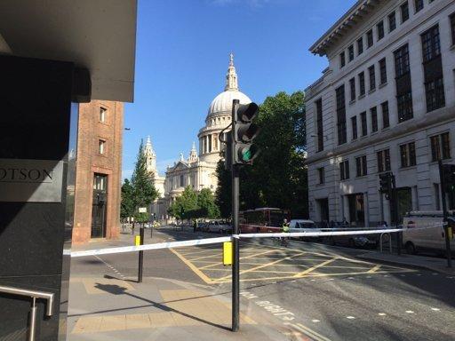Alertă în Londra. Centrul orașului a fost evacuat de urgență, după ce autoritățile au descoperit un pachet suspect