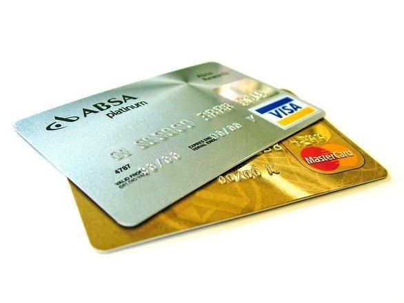 Toți românii care au un card bancar sunt vizați de această lege. Măsura este obligatorie și a intrat deja în vigoare