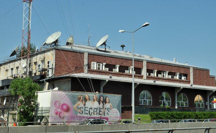 Cum își bate joc ANAF de banii publici: 26.000 de euro pe lună, paza celor trei clădiri în care au avut sediul Antenele