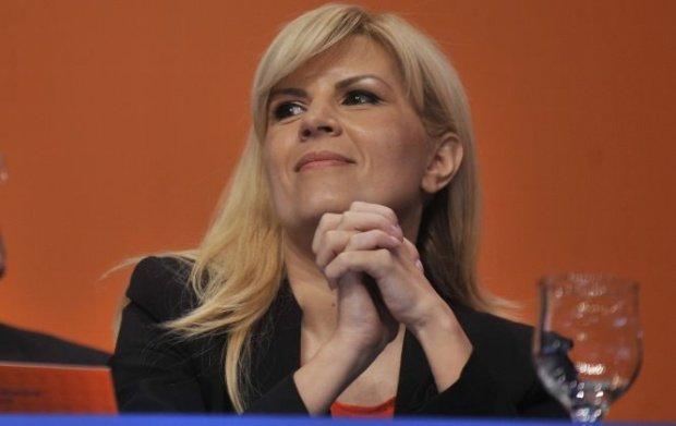 O tânără de 20 de ani, cel mai tânăr acționar în firma Elenei Udrea