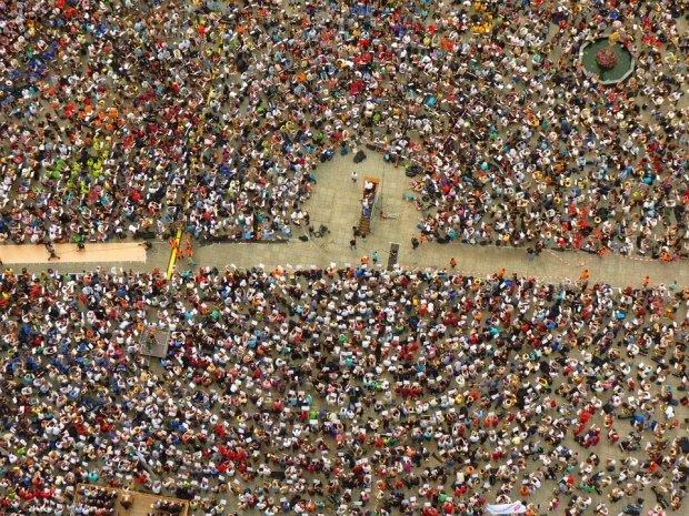 Peste 50.000 de oameni au ieșit în stradă. Protestatarii au denunțat violența împotriva femeilor