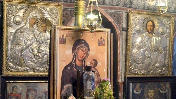 Secretele unei icoane a Fecioarei Maria: a lăcrimat de două ori în 15 zile