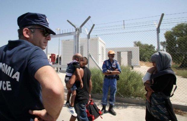 Schimb de focuri într-o tabără de migranți. Doi oameni au fost răniți grav
