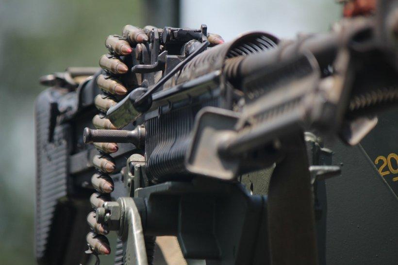 Pregătirea militară pentru tineri, variantă luată în calcul de ministrul Apărării