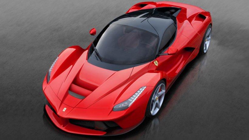 Cine este românul care deține cel mai rapid Ferrari din toate timpurile