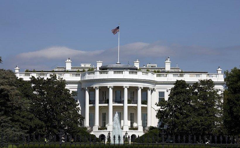 Hillary Clinton se distanțează de Donald Trump în cel mai recent sondaj privind alegerile prezidențiale din SUA