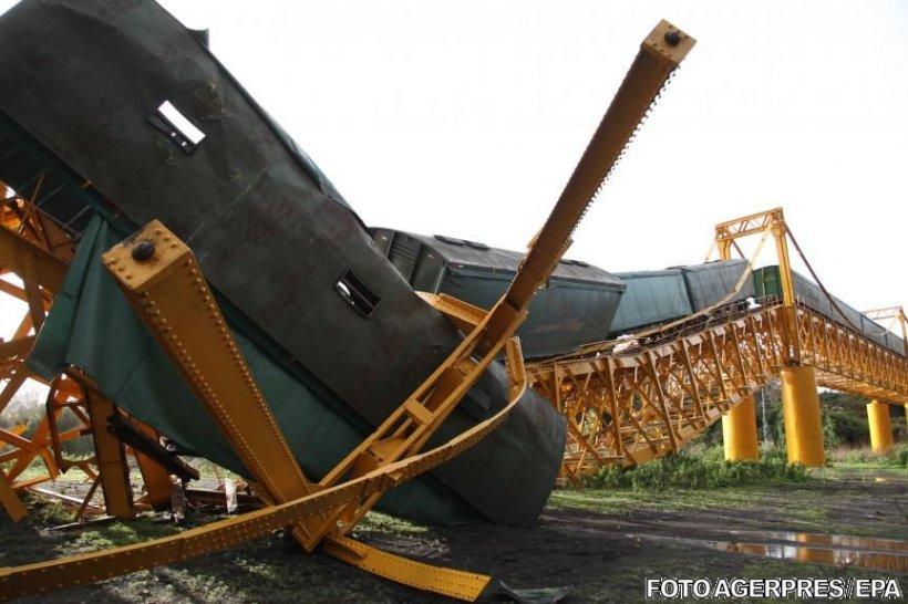 Incident feroviar în Chile. Un tren cu produse chimice s-a prăbușit într-un râu