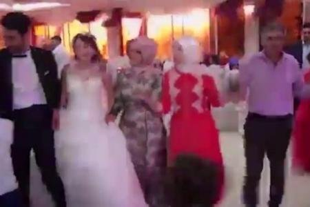 O nuntă din Turcia s-a încheiat extrem de prost. Ce a urmat după ce o mașină-capcană a explodat în apropiere - VIDEO