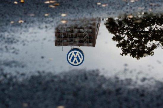 Lovitură pentru Volkswagen. Întrerupe producţia modelului Golf la cea mai mare uzină din Germania