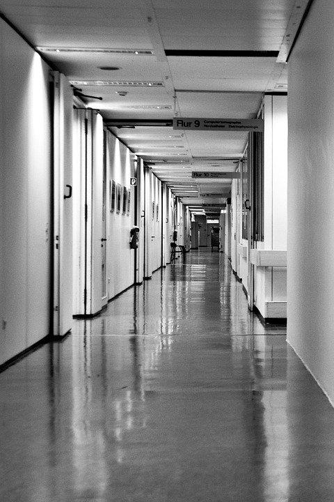 Atac armat într-un spital din Slovenia. Cel puţin două persoane au fost ucise