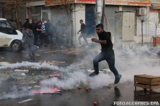 Atac de proporții într-un oraș turc. Autoritățile au cerut evacuarea populației