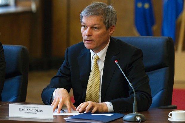 Sinteza zilei. Guvernul Cioloş scade în sondaje. Eșecuri umilitoare ale miniștrilor tehnocrați
